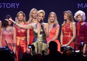Sharon Stone fait son retour à Cannes pour le gala de l'amfAR