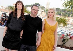 Kirsten Dunst rayonnante face à Charlotte Gainsbourg enceinte à Cannes