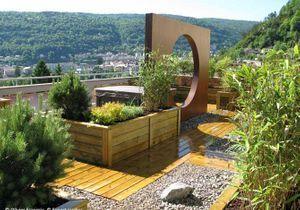 Avant-après : une terrasse zen en plein Jura