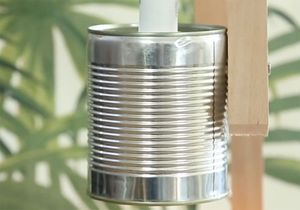 DIY : fabriquez une lampe récup à partir d'une boîte de conserve