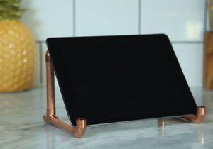 DIY : comment fabriquer un support pour iPad cuivré