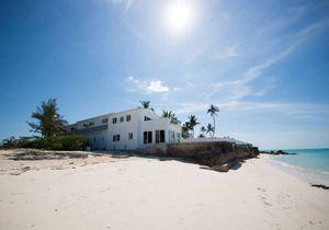 Airbnb : et si on louait ces maisons avec accès direct à la plage ?