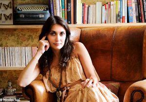 Laura Gonzalez, vintage girl