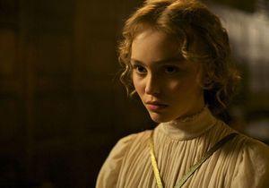 26 ans après sa mère, Lily-Rose Depp, en route vers les César 2017