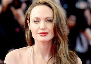 "Angelina Jolie : ""Mon rêve ? Tourner avec Tim Burton"""