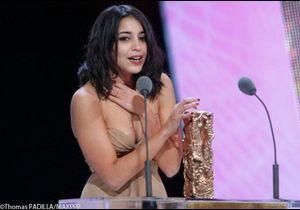 Leïla Bekhti, meilleur espoir féminin, émue aux larmes