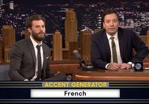 Prêt-à-liker : Jamie Dornan lit 50 nuances de Grey avec l'accent français