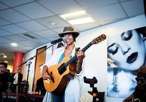 ELLE LIVE #16 : Ayo chante à la rédaction