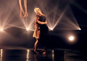Billboard Music Awards : Pink et sa fille Willow livrent une performance poétique sur scène