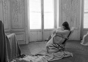 Carla Bruni dévoile son nouveau clip « J'arrive à toi »