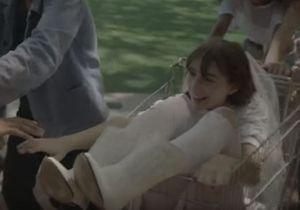 Charlotte Gainsbourg dévoile ses filles Alice et Joe dans son clip « Deadly Valentine »