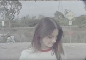 Lana Del Rey : sans maquillage dans son clip « Venice Bitch »