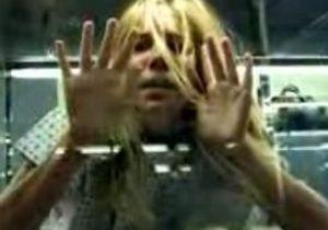 Sienna Miller dans le dernier clip de The Hours
