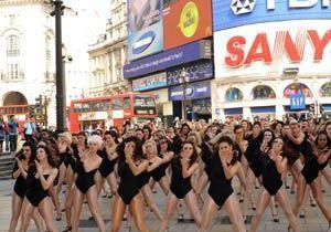 Vidéo : à Londres, 100 filles dansent sur du Beyonce, paralysant le trafic !