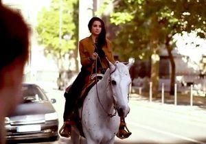 Vidéo : Camélia Jordana se prend pour Calamity Jane