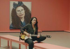 Yaël Naïm : découvrez la douce pause musicale de la chanteuse à travers « Attendre »