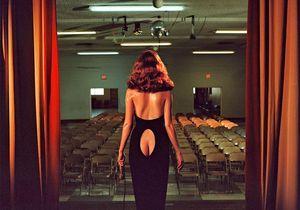 Les femmes glamour et trash de Nadia Lee Cohen
