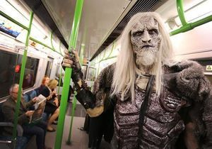 #PrêtàLiker : un Marcheur Blanc de Game of Thrones prend le métro à Londres