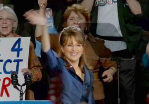 Découvrez Julianne Moore métamorphosée en Sarah Palin