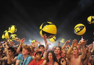Des festivaliers de Coachella piégés par de faux groupes