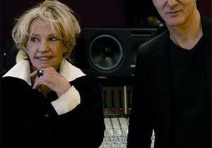 Etienne Daho et Jeanne Moreau chantent Genet. Joli !