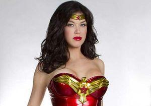 """Le nouveau costume de """"Wonder Woman"""" fait polémique aux USA"""