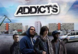 """Phénomène : """"Addicts"""" aux web-fictions"""