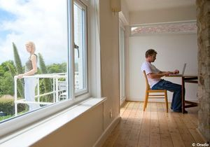 Près de 10 % des couples adeptes du « chacun chez soi »