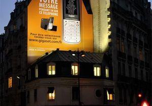 A Paris, déclarez votre amour sur écran géant