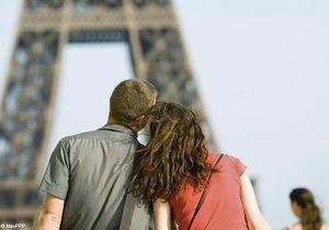 Affichez votre amour sur les écrans de Paris !