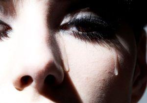 Les larmes de femmes anti-sexe pour les hommes ?
