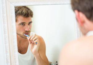 Pourquoi il faut demander à son partenaire de (bien) se laver les dents