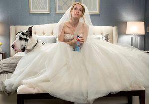 Trompée par son mari, elle vend sa robe de mariée