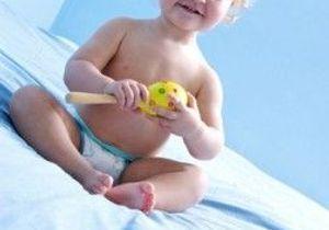 Bébés : halte au pouce et à la tétine !