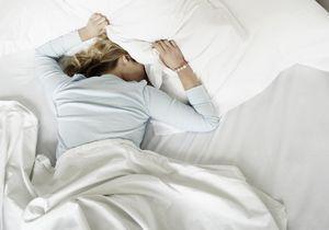 Le traitement la hernie intervertébrale du service cervical de lépine dorsale