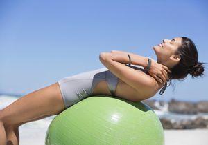 Pilates et swiss ball : le duo gagnant pour un corps galbé