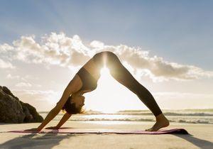 Ces postures de yoga vont soulager votre dos et vos hanches en seulement 4 minutes