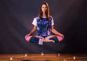 Tara Stiles, la prof de Strala Yoga devenue gourou bien-être