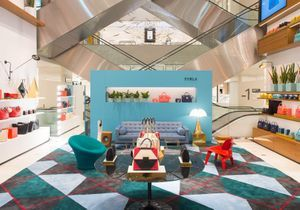#ELLEFashionSpot : le pop-up store Furla à l'Espace Atrium du Printemps Mode