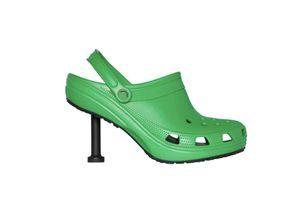 Balenciaga dévoile une Crocs à talon qui fait débat