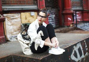 «Faces», 10 façons de porter des lunettes par The Sartorialist