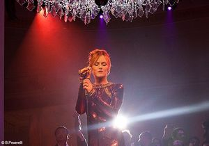 Vanessa paradis in the mood for mode