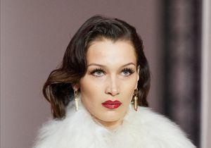 Bella Hadid : confinée, elle shoote elle-même une campagne de mode sur FaceTime