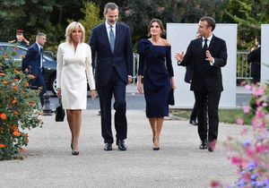 Brigitte Macron : rayonnante en robe couleur crème pour rencontrer Felipe et Letizia d'Espagne