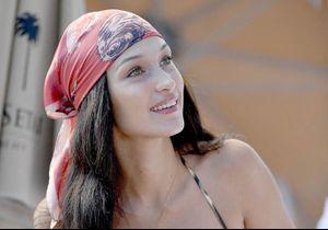 Bella Hadid remet au goût du jour le total look denim