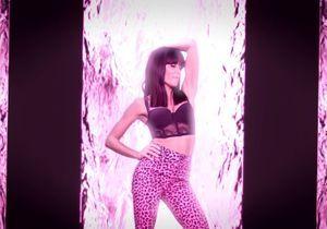Jenifer adopte le jean léopard et le legging zèbre dans son nouveau clip