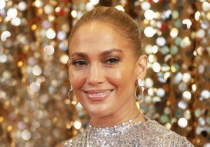 Jennifer Lopez : que pense-t-on de sa dernière robe rouge ultra-moulante ?