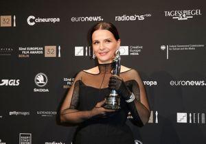 Juliette Binoche : élégance éternelle pour recevoir un prix à Berlin