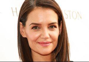 Katie Holmes adopte le look le plus 90's du printemps