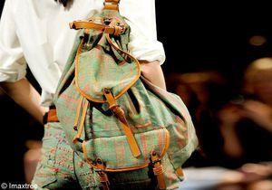 Comment porter le sac à dos sans faire baroudeuse ?